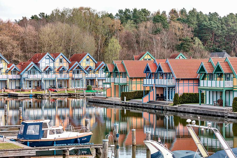 Blick in das Hafendorf