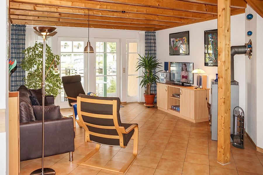Wohnzimmer im Untergeschoss Ferienhaus S 16