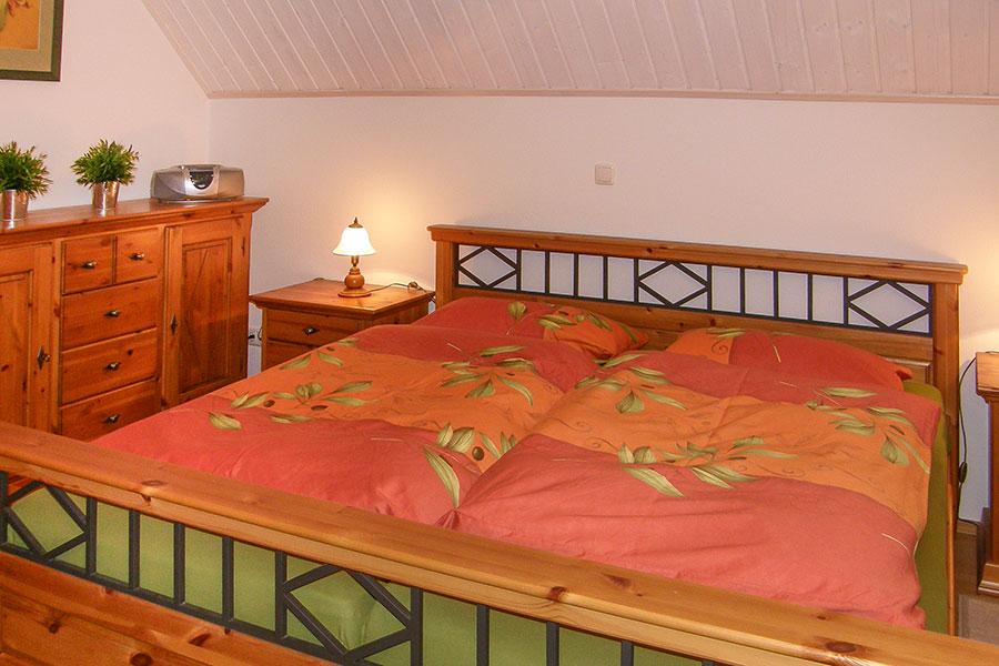 Ferienhaus S 24 Obergeschoss, großes Schlafzimmer