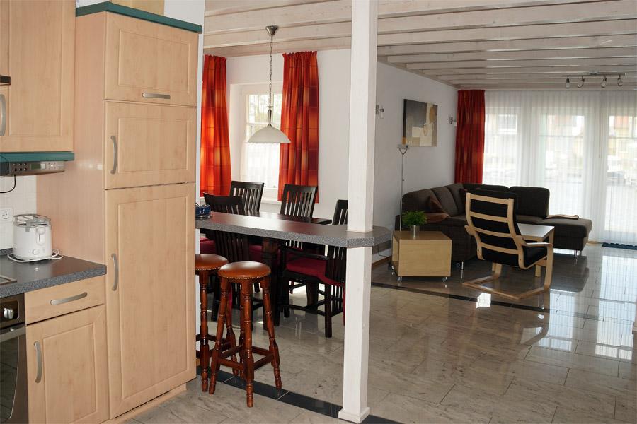 Küche und Essplatz im Ferienhaus S24